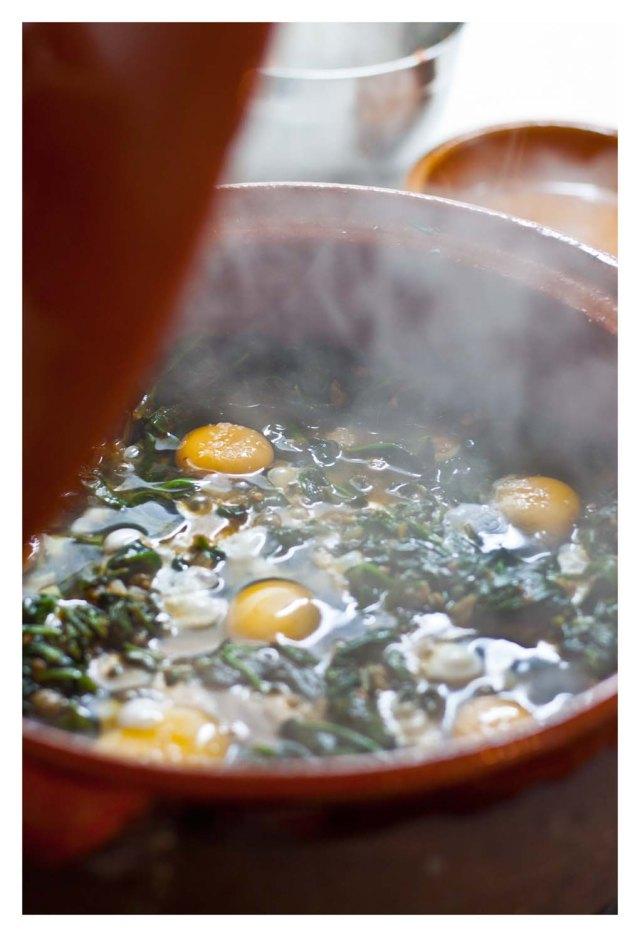 Cazuela de espinacas y huevos