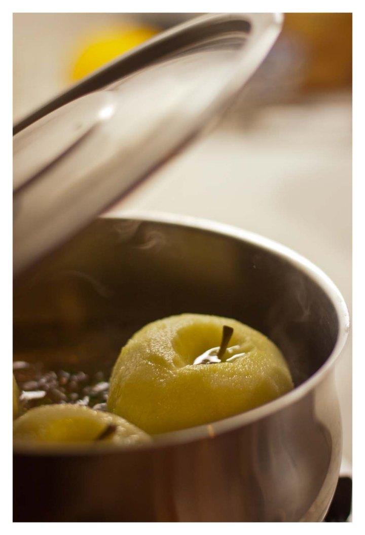 Manzanas cociendo