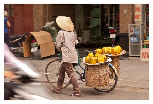 Vendedora ambulante de melones