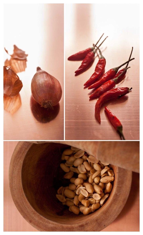 Chalotas, chiles ojo de pájaro y cacahuetes