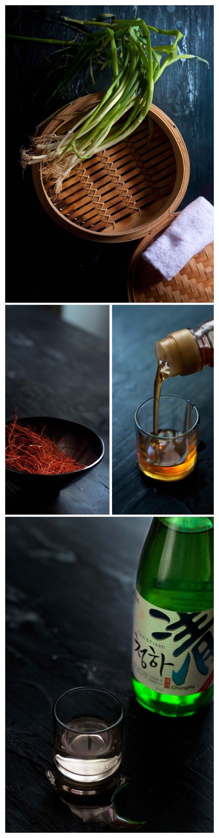 Cebolletas, chile rojo en tiras, aceite de sesamo y vino de arroz