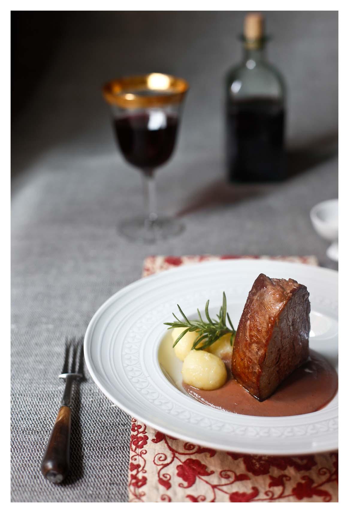 Tournedos de ternera con salsa de boletus y oporto el for Solomillo de ternera