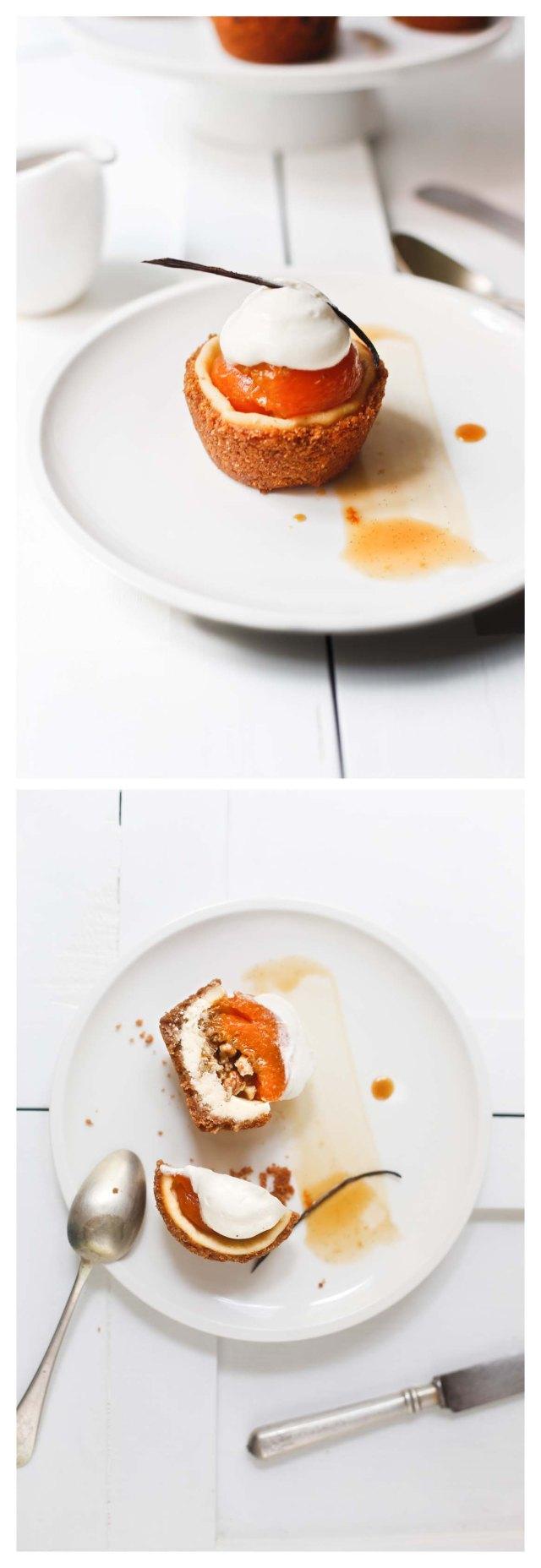 tartitas de albariques y queso con sus salsa