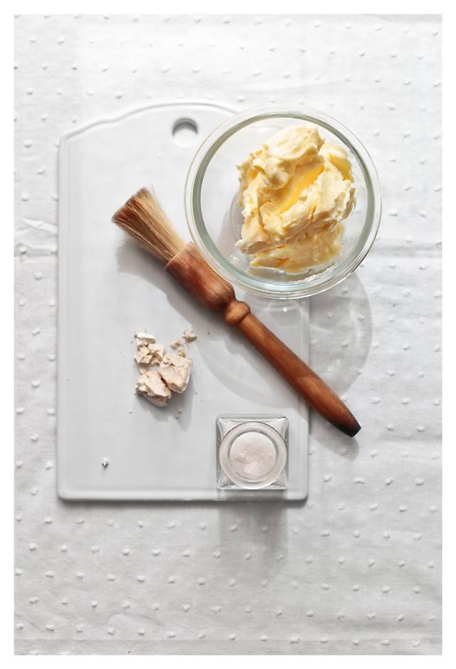 mantequilla levadura y sal