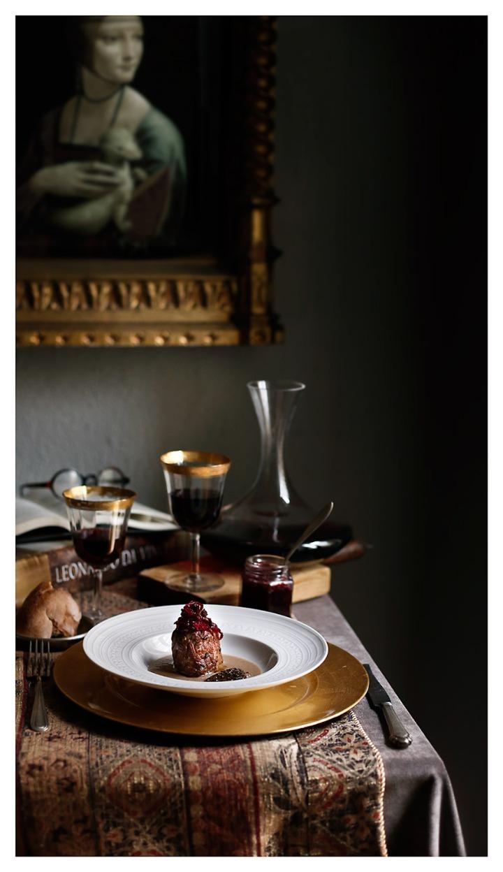 Solomillo ibérico con mermelada de lombarda y salsa demorillas