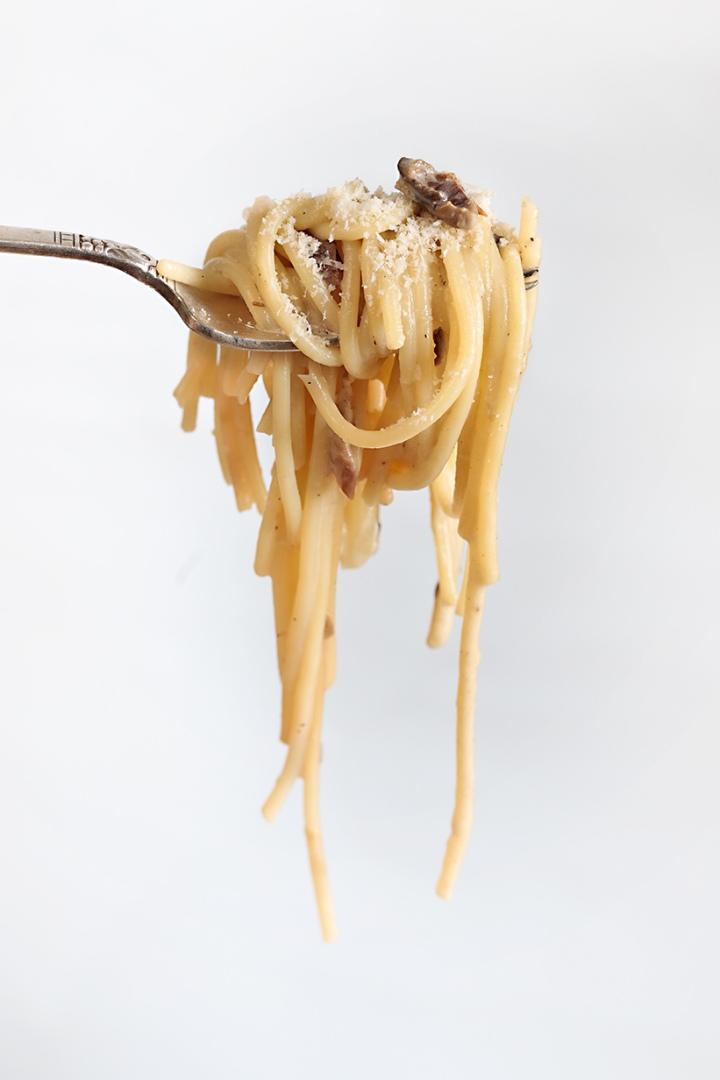 Espaguetis con nata yboletus